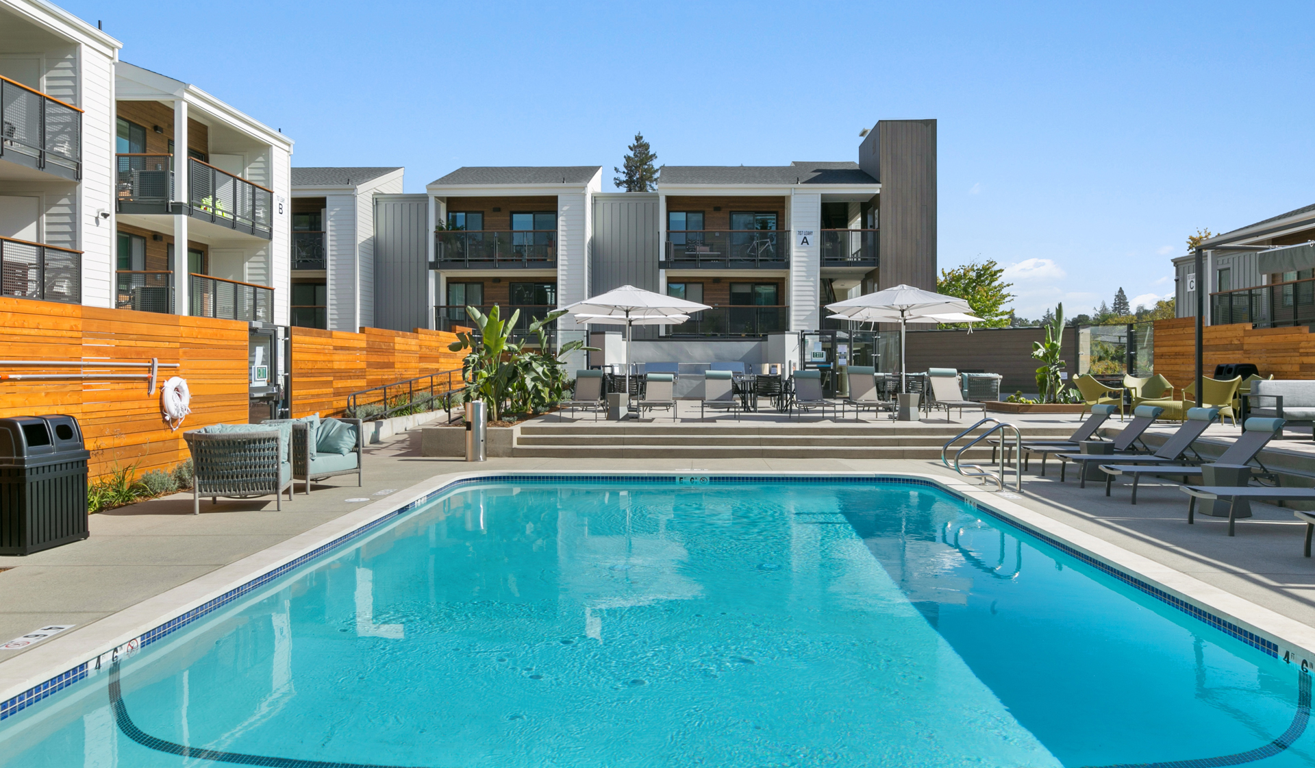 707 Leahy Apartments - Redwood City, CA - pool