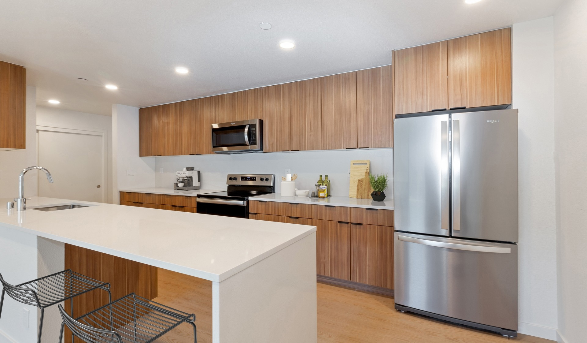 707 Leahy Apartments in Redwood City, CA - kitchen