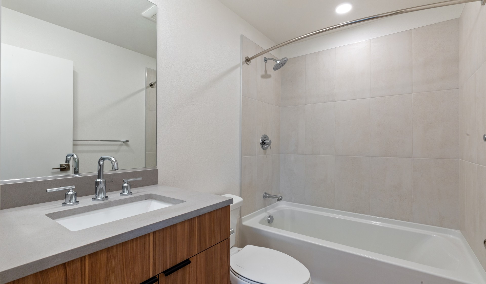707 Leahy - Redwood City - bath